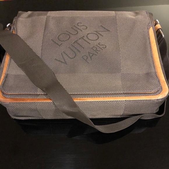 Louis Vuitton Damier Geant Messenger Bag